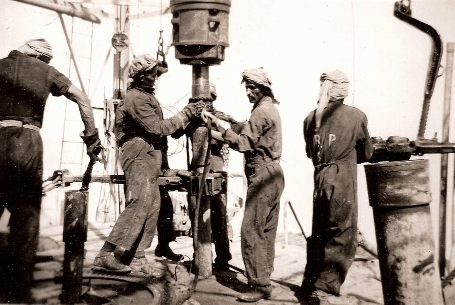 делала это Саудовская Аравия очень легко: повысила продуктивность добычи черного золота, дополнительно увеличив продажи. СССР попросту не справился с конкуренцией