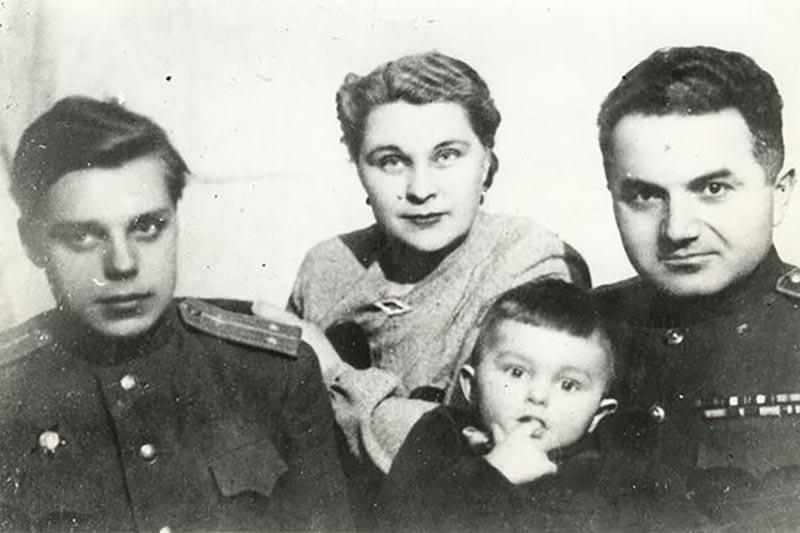 Спустя годы дело Худякова пересмотрели, вернув звания, а награды за заслуги перед Родиной его родственникам