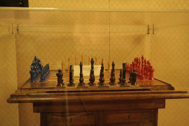Шахматный стол Ленина