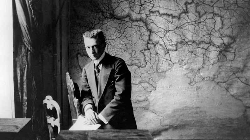 Александр Керенский — символ неустойчивости власти