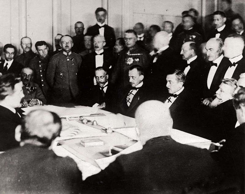 Российское государство из-за мирного соглашения с Германией понесло большие потери