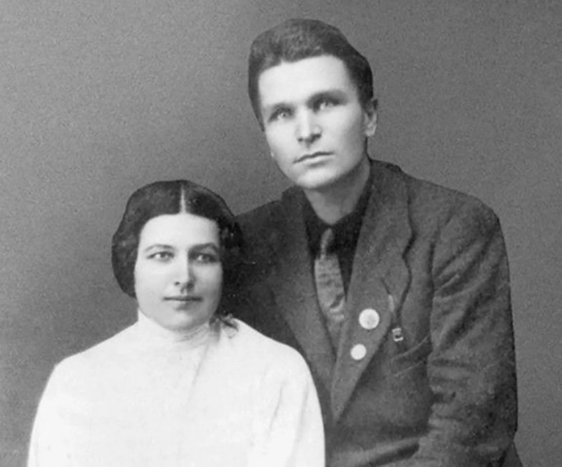 Она была знакома с Николаем Гумилевым