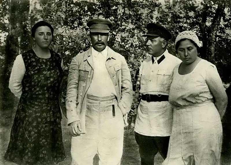 В 1937 году в дом Ворошиловых пришли с арестом Екатерины за прошлую «эсеровскую» деятельность
