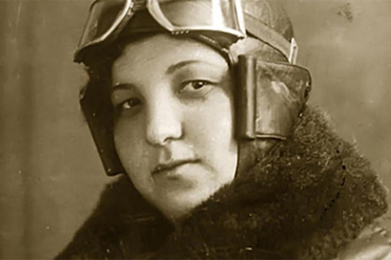 Магуба совершала полеты на бомбардировщике, причем чаще всего в ночное время суток