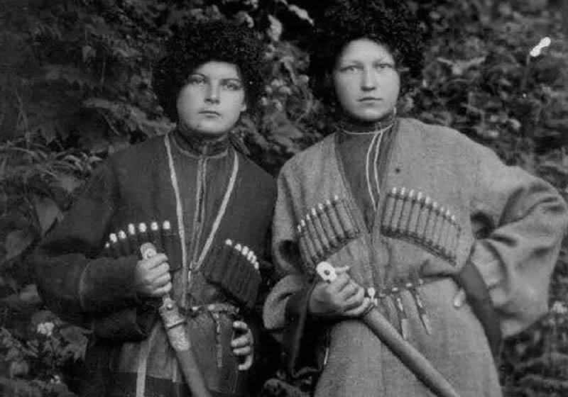 в 1948 году коммунисты все же пришли к власти в России, казакам предлагали вернуться на родину