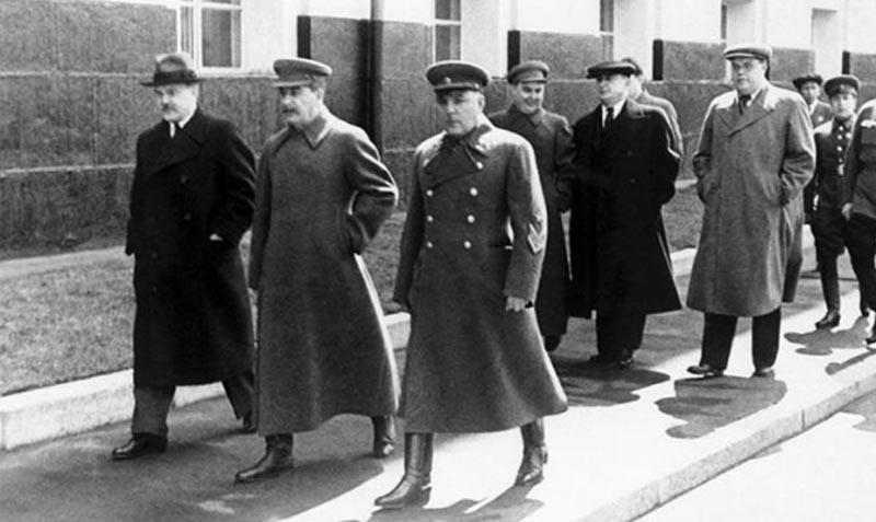 Головокружительный взлет карьеры  В 1934 году Щербаков вошел в руководство Союзом писателей.