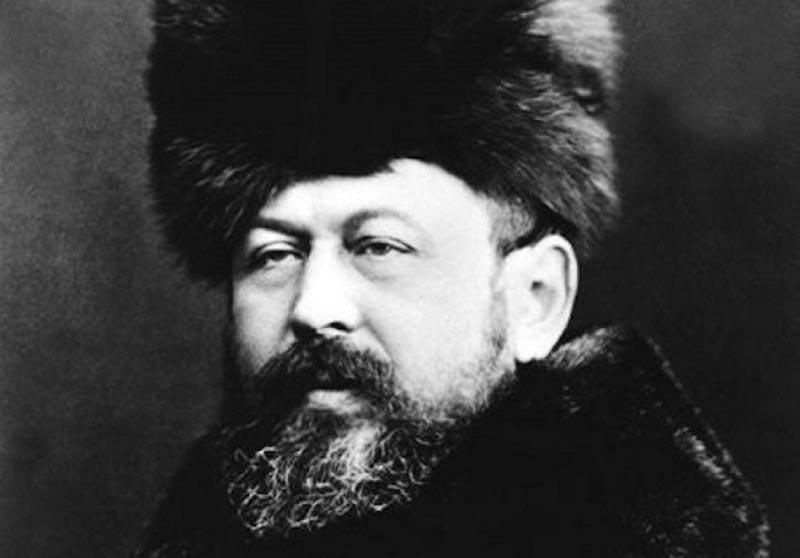 В 1911 году отец Александр Второв умер, оставив Николаю наследство в 8 миллионов.