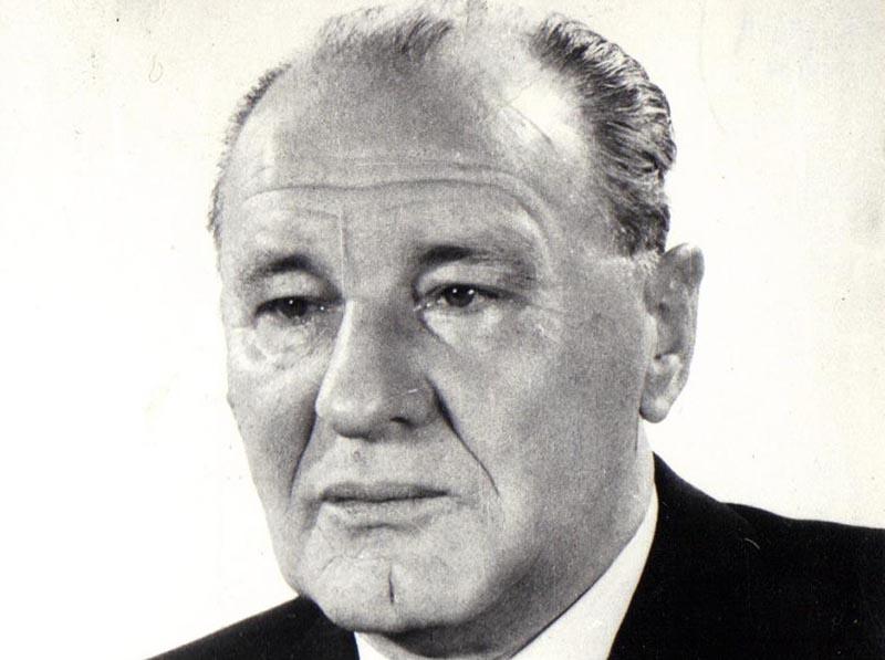 Янош Кадар