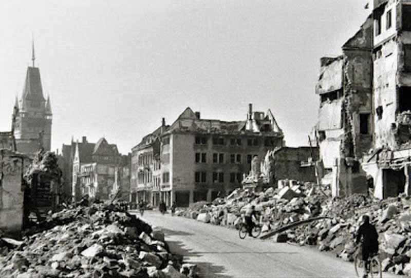 В 1940 году немецкие войска провели ошибочную операцию, совершив бомбежку своего же Фрайбурга.