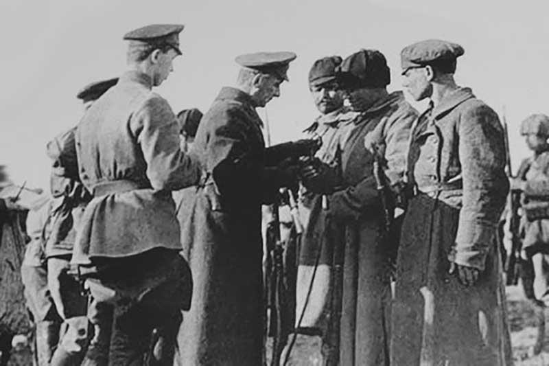 В итоге Колчака передали чекистам, после чего отправили в тюрьму.