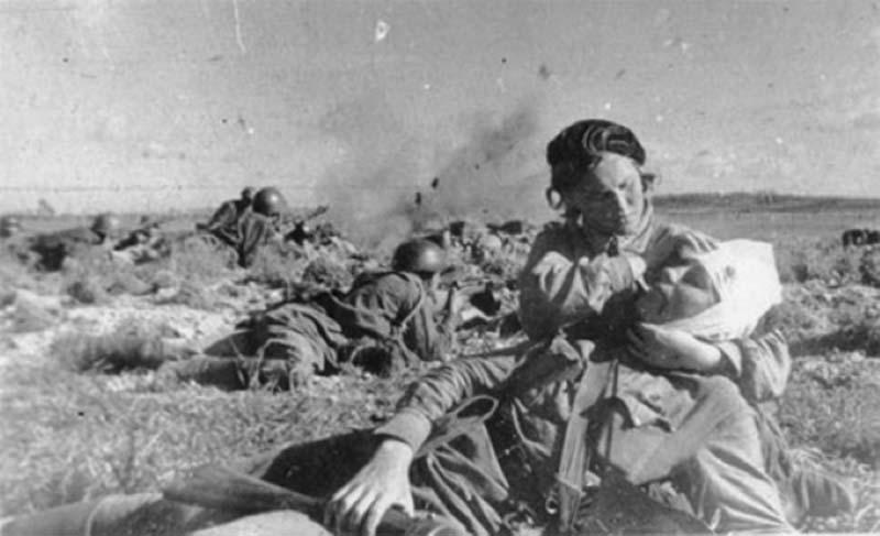 В годы Великой Отечественной войны советские власти старались стимулировать военных.