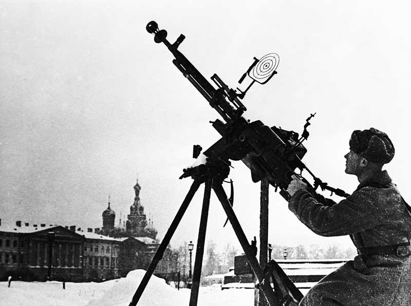 Небольшая удача в 1943 году  В следующем году провели операцию, в которой принимали участие армии Ленинградского и Волховского фронтов.