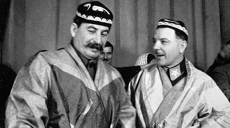 Ворошилов объяснил свою позицию тем, что день рождения Красной Армии совершенно случайно приурочили к 23 февраля.