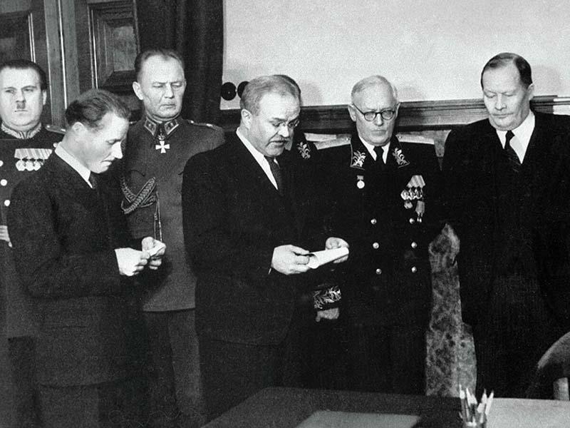 Погоны стали снова использовать в армии в период Великой Отечественной войны