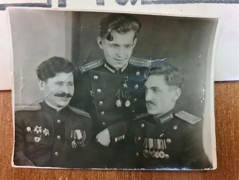 Борис Шмелев получил звание Героя СССР за мужество и смелость, проявленные в боях при проведении операции в Выборге в 1944 году.
