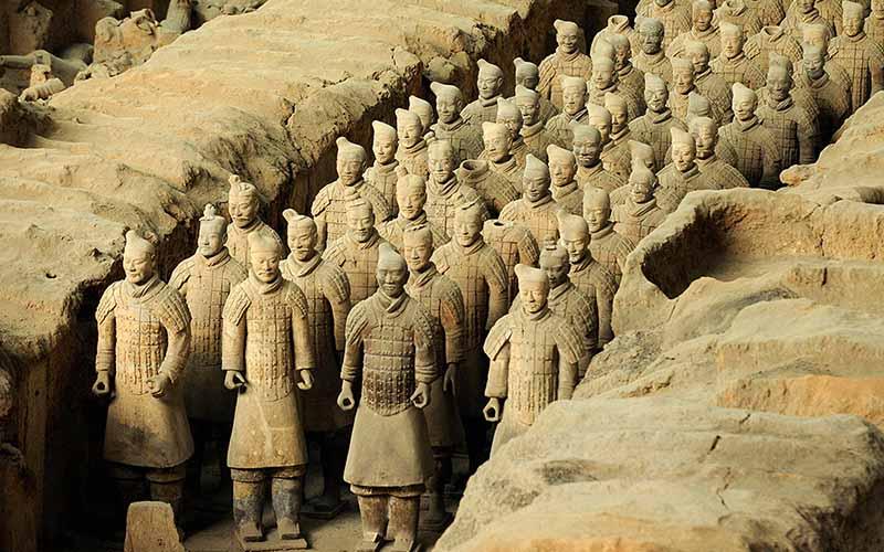 в Китае — музей глиняной армии.