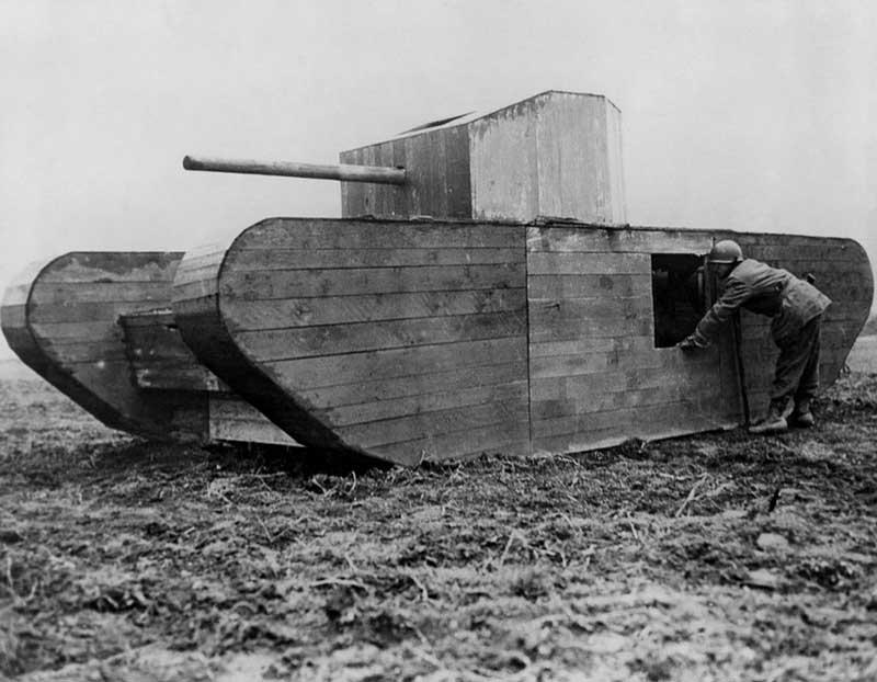 Зачем нужны были фанерные танки