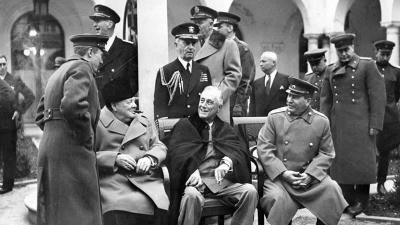 В 1945 году провели Ялтинскую конференцию, где обсудили вопрос по поводу дальнейшей судьбы побежденных лидеров Германии.