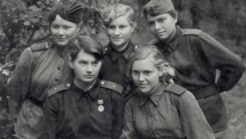 В период ВОВ за нашу великую Родину воевали не только мужчины.