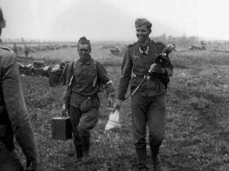 Когда немцы вторглись в СССР, многие русские добровольно решили служить в армии врага.