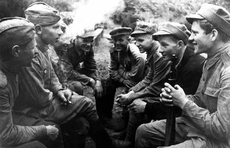 Повседневность рядового красноармейца во время ВОВ наполнялась обычной солдатской тревогой и ежедневными заботами.