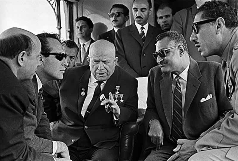 Когда был самый разгар «холодной войны» между СССР и США, советские власти пользовались любыми возможностями, чтобы усилить свое влияние на внешней арене
