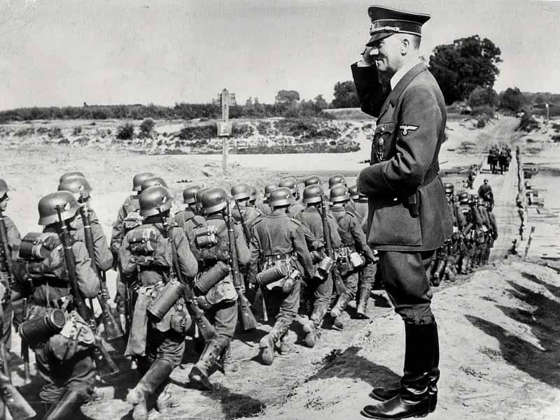 Германия  Германия была одержима нацистской идеологией,