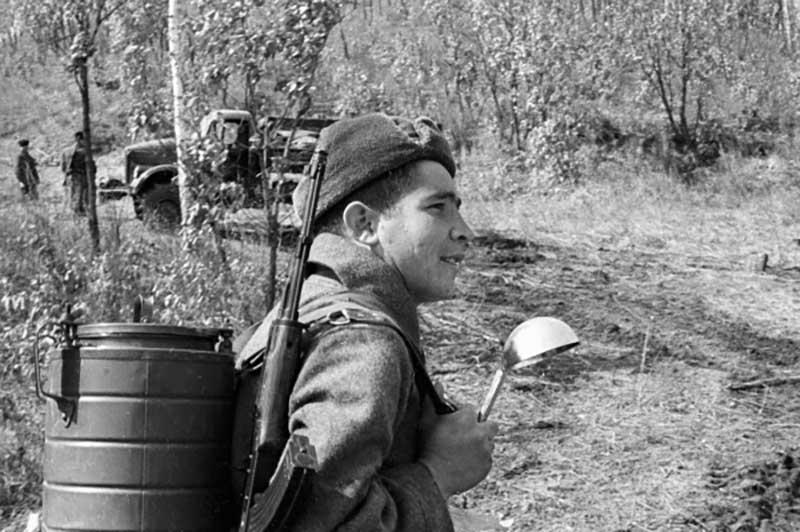 Многие ветераны ВОВ вспоминали, что больше никогда и нигде не встречали такой вкуснейшей каши, которую получали на фронте.