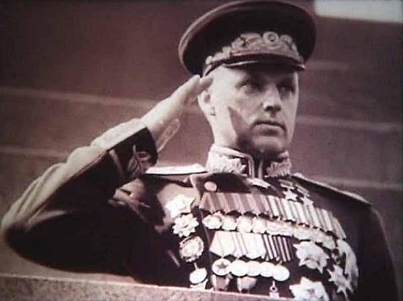 Константин Рокоссовский — русский маршал, который имел отношение ко многим знаковым событиям во время войны.