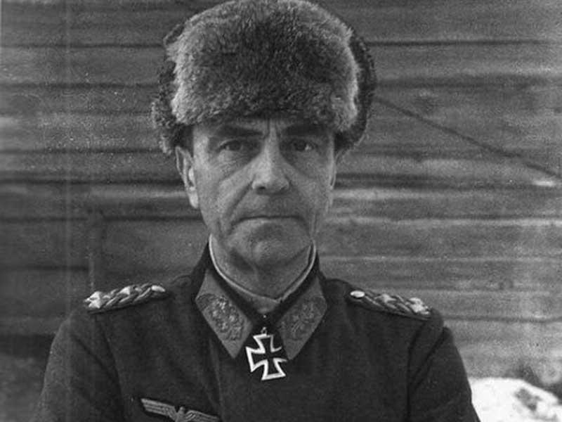 первый раз «Гитлер капут» сказал военный начальник Фридрих Паулюс