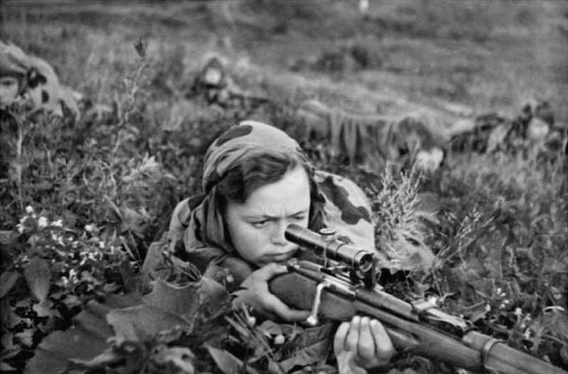 На войне солдаты не обязательно действуют строго по уставу, есть и некоторые негласные правила