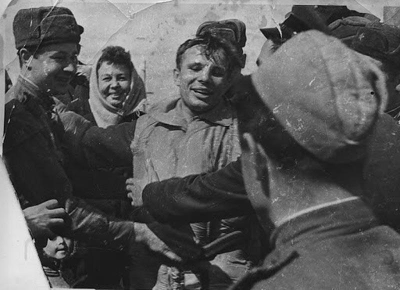 Приземление аппарата в советской глубинке