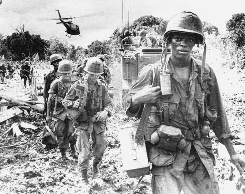 Вьетнамская война — достаточно жесткое время.