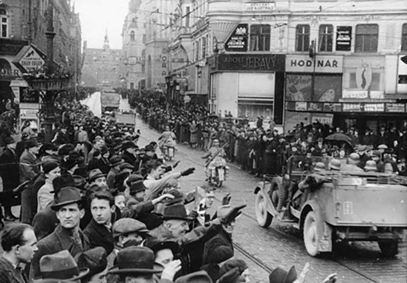 Когда Адольф Гитлер организовал раздел, словаки встретили эту новость с большим воодушевлением.
