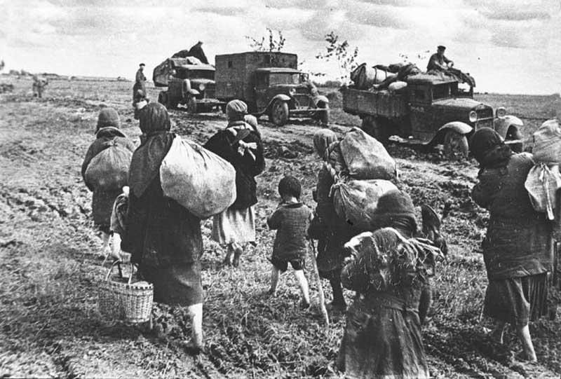 Человеческие потери СССР в период Великой Отечественной войны были огромными и невосполнимыми.