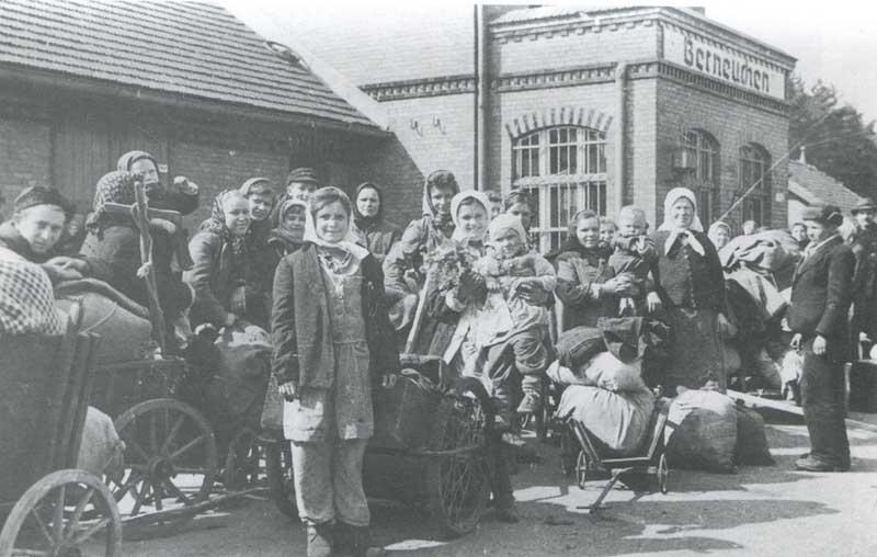 Большинство возвращенных граждан проверяли и фильтровали в пунктах сборки и пересыла и лагерях Наркомобороны и НКВД.