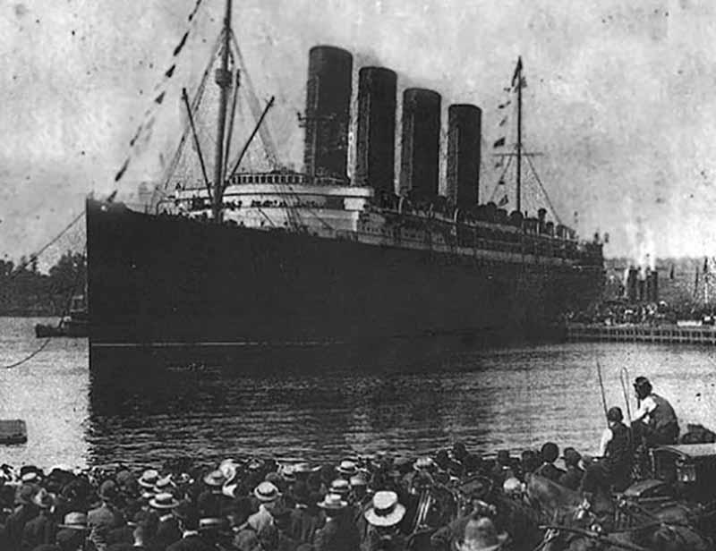 Круизный лайнер создали в 1902 году. В то время это был один из самых лучших британских кораблей. «Лузитания»