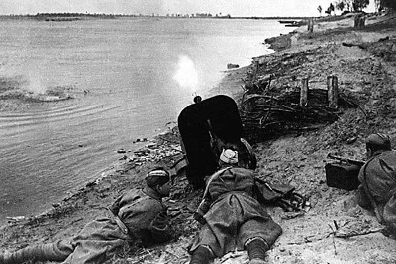 Гитлер Семен Константинович относился к еврейской национальности.