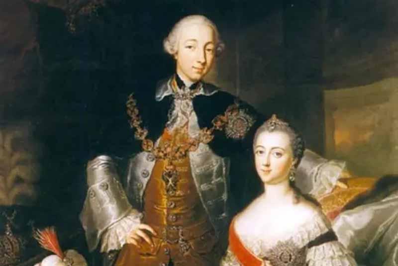Летом 1744 году Екатерина вышла замуж за Петра, через год состоялось их венчание.