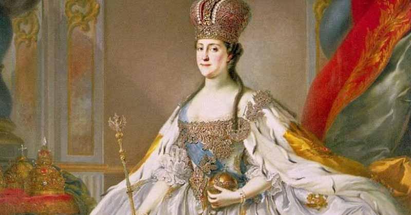 Екатерина фактически смогла осуществить двойной переворот, свергнув супруга и не дав в то время сыну прийти к власти.