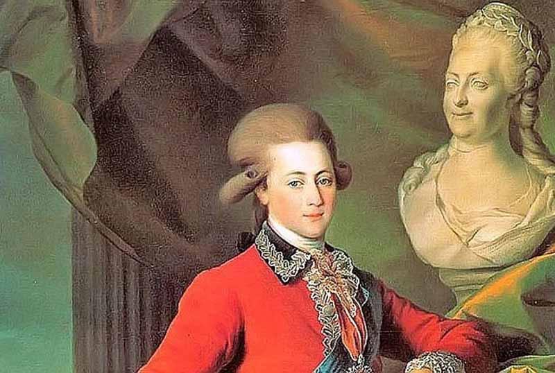 Когда императрица охладела к Орлову, он женился на своей двоюродной сестре.