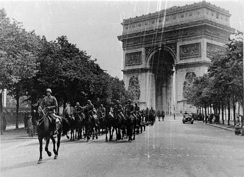 17-го июня 1940 года на заседании французского правительства было принято решение о капитуляции Франции.