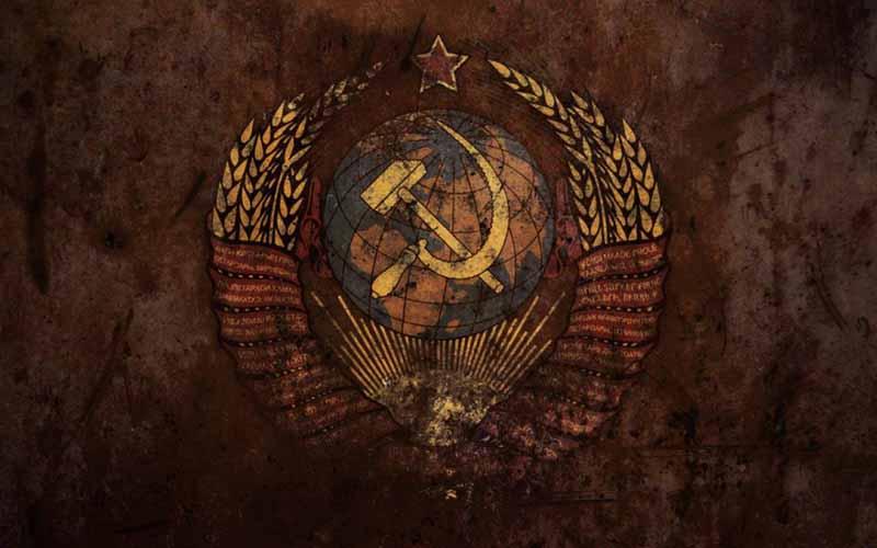 В декабре 1943 года утвердили гимн Советского Союза.