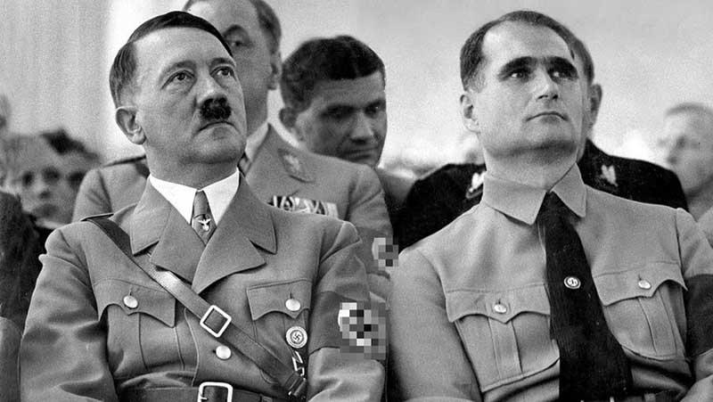 Историк Иоахим Фест, который специализировался на фашистском германском режиме и на жизнеописании фюрера, писал о том, что Гитлер любил обращение к нему по имени Вольф.