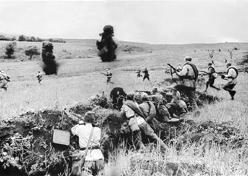 За все время ВОВ в Красной Армии создали более тысячи штрафных рот и более шестидесяти штрафных батальонов.