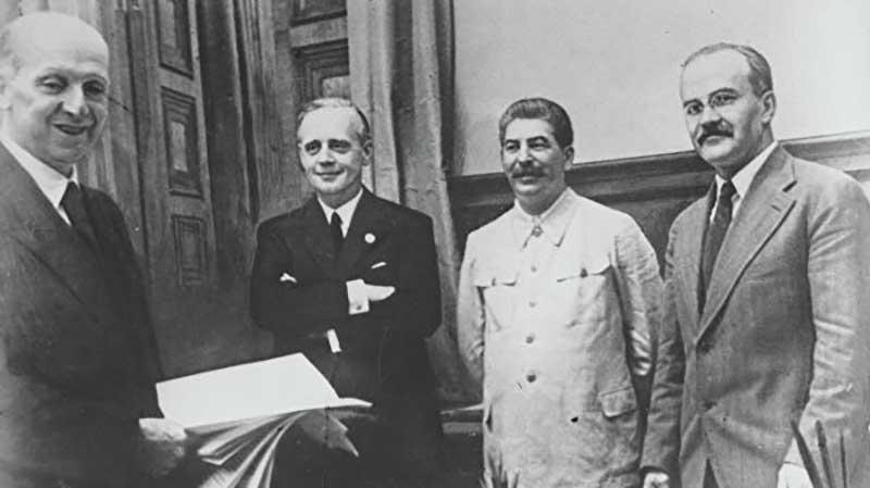 В мае 1941 года, когда до начала ВОВ оставалось всего несколько недель, фашистский министр пропаганды Геббельс записал в своем дневнике, что у него получилась организация массовой кампании неправдивых сообщений.