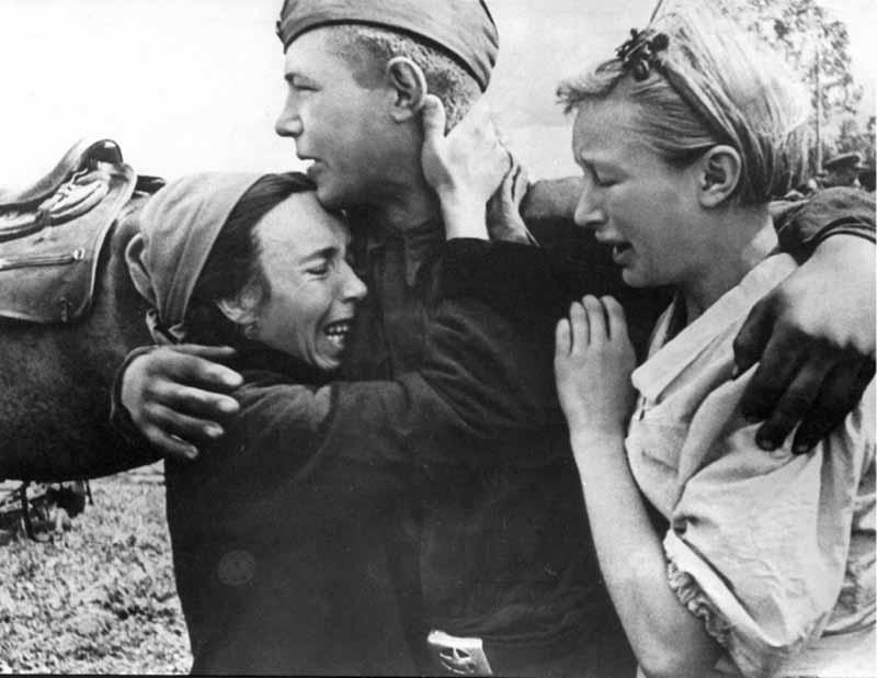 предпринимались попытки вызволить советских солдат оттуда путем обмена.