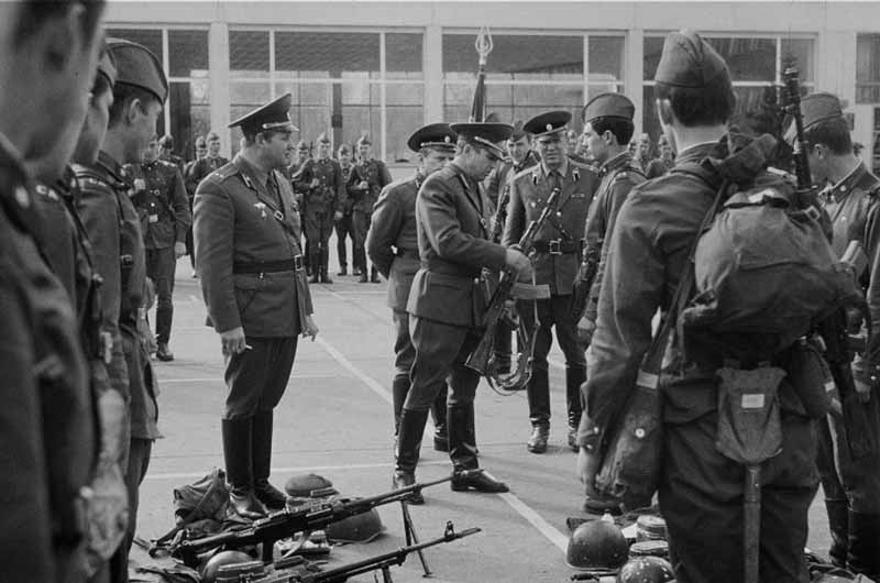Всего же во время подготовки к Олимпиаде-80 по Москве и Московской области конфисковали более 155000 единиц оружия