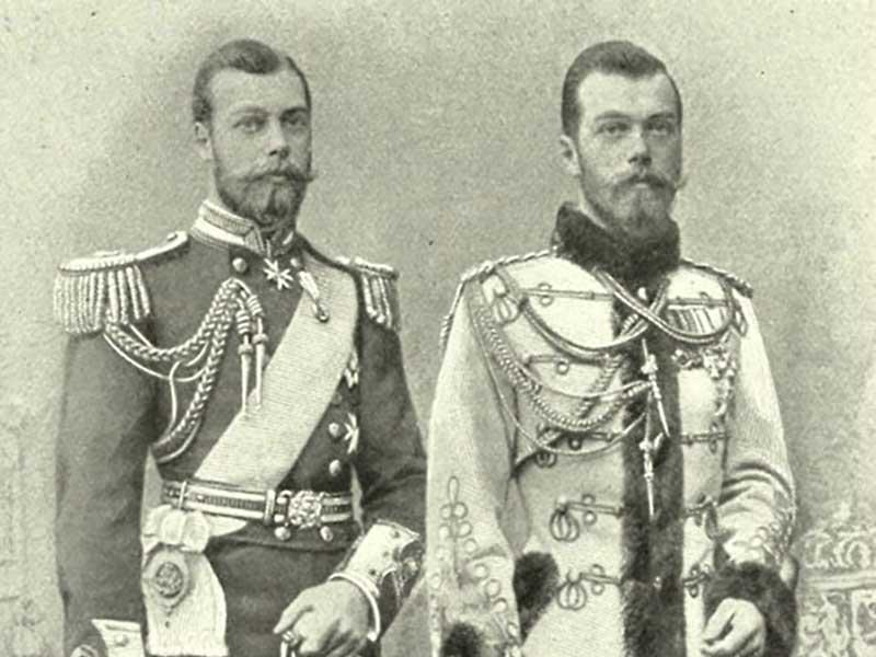 Существует мнение о том, что Николаю Второму гарантировали выезд с женой и детьми за рубеж без каких-либо препятствий, а именно в Великобританию, в случае его отречения от царского престола