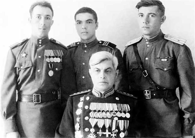 Ошибкой маршала Варенцова судьбоносного значения стало то, что он был знаком с обвиненным в шпионаже полковником ГРУ Пеньковским.